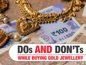 Buying gold jewellery this Dhanteras? Here's all you need to know