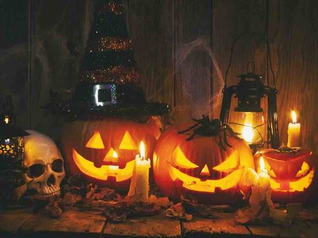 Last-Minute Halloween Decor Ideas That Will Make Your House Look Oh-So-Terrifying! - Scary, Yet Aesthetic Halloween Decor | The Economic Times