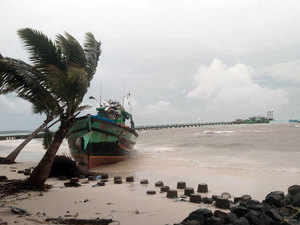 Cyclone 'Maha' intensifies, several people evacuated from Lakshadweep islands