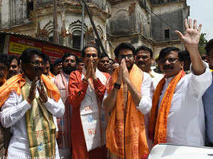 Maharashtra: Congress, Shiv Sena leaders meet Sharad Pawar amid power tussle