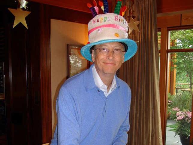 Melinda Gates posted a photo of the birthday celebrations on LinkedIn. 