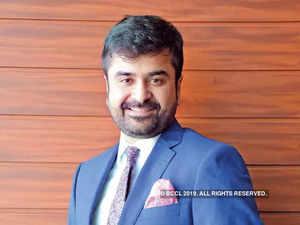 Aashish Sommaiyaa, Motilal Oswal AMC-1200