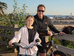 ​The Schwarzeneggers and Thunbergs rode their bicycles around Santa Monica, California. (In pic - Greta Thunberg & Arnold Schwarzenegger).