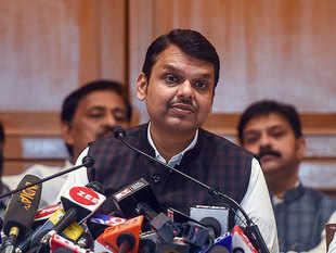 Maharashtra Govt formation: Fadnavis quits, blames Shiv Sena for deadlock in talks