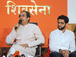 To make a Shiv Sainik CM, don't need Amit Shah and Fadnavis: Uddhav Thackeray