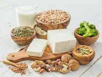 Men can also get osteoporosis; have nuts, dairy products, veggies to reduce bone loss