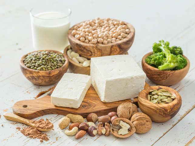 diet-balance-nuts-dairy_iStock