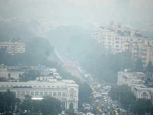 People of Delhi-NCR continue to suffer as air quality dips