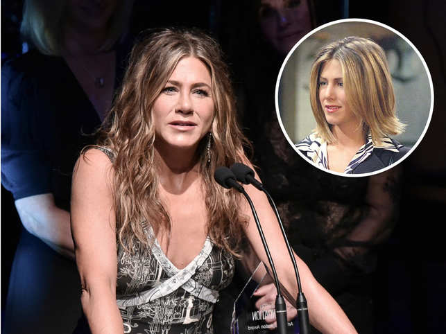 Jennifer Aniston gets nostalgic at 2019 PCA, calls 'Friends' gift of a lifetime