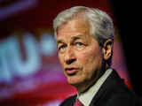 Jamie Dimon laments income inequality, won't assail CEO pay