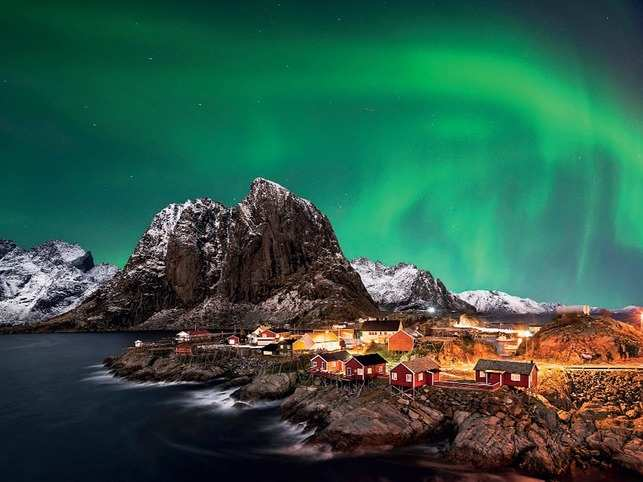 The months of November till March are preferred for viewing Northern Lights in Norway.