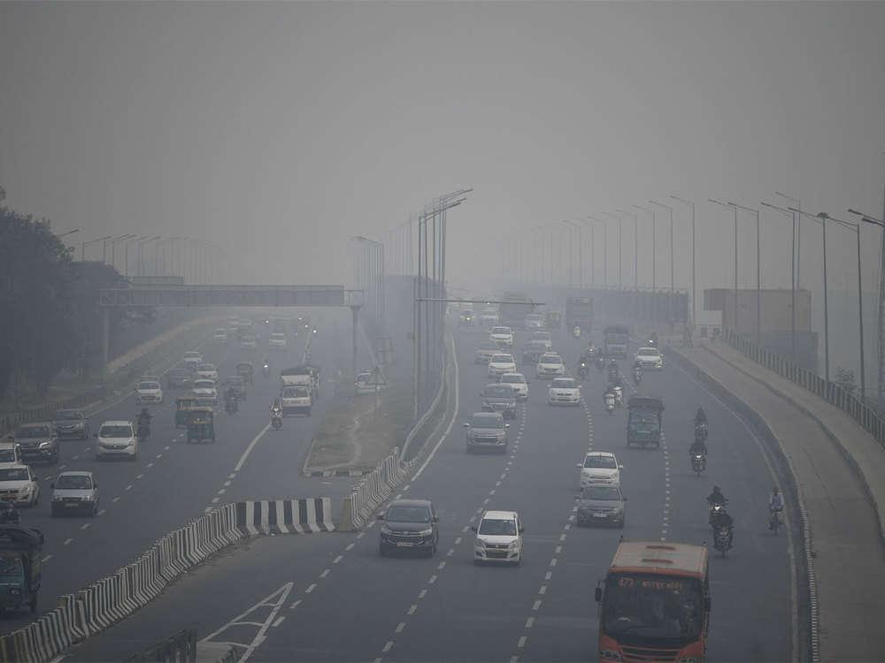 Smog chokes Delhi NCR again, air quality 'severe' for 4th consecutive day