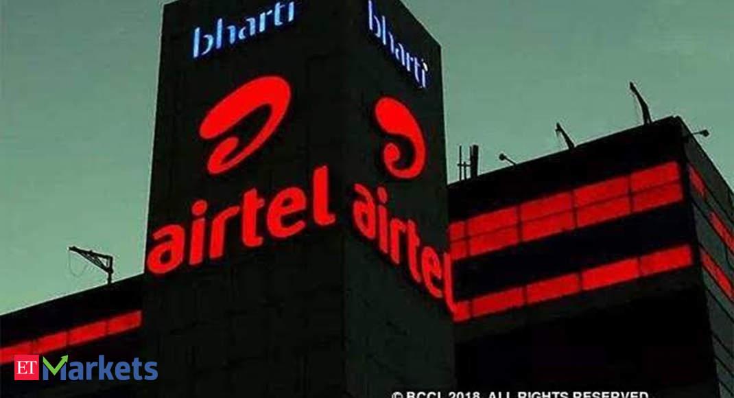 Voda's pain, Bharti's gain! Why is Airtel rallying despite big Q2 loss? - Economic Times thumbnail