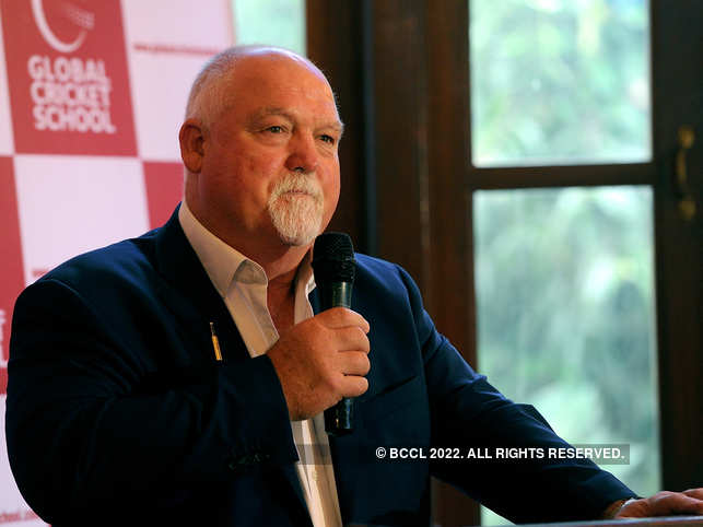 Mike Gatting who was in India a few months ago, denied that the seafood delicacy was the reason he fell ill.