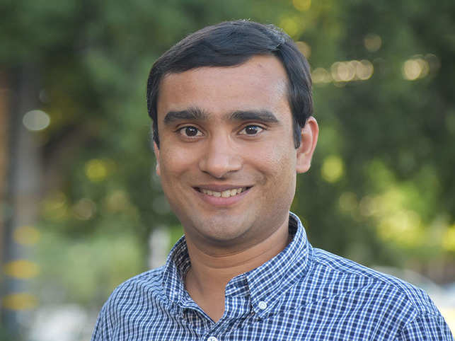 Ankur​ Jain has discovered that certain RNAs can form aggregates, clumping together into membrane-less gels. ​