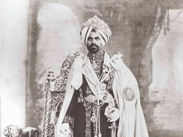 Maharaja Jagatjit Singh was contemporary in his tastes and played a part in setting the trend of getting the more traditional pieces in the royal collections refashioned by European jewellers.