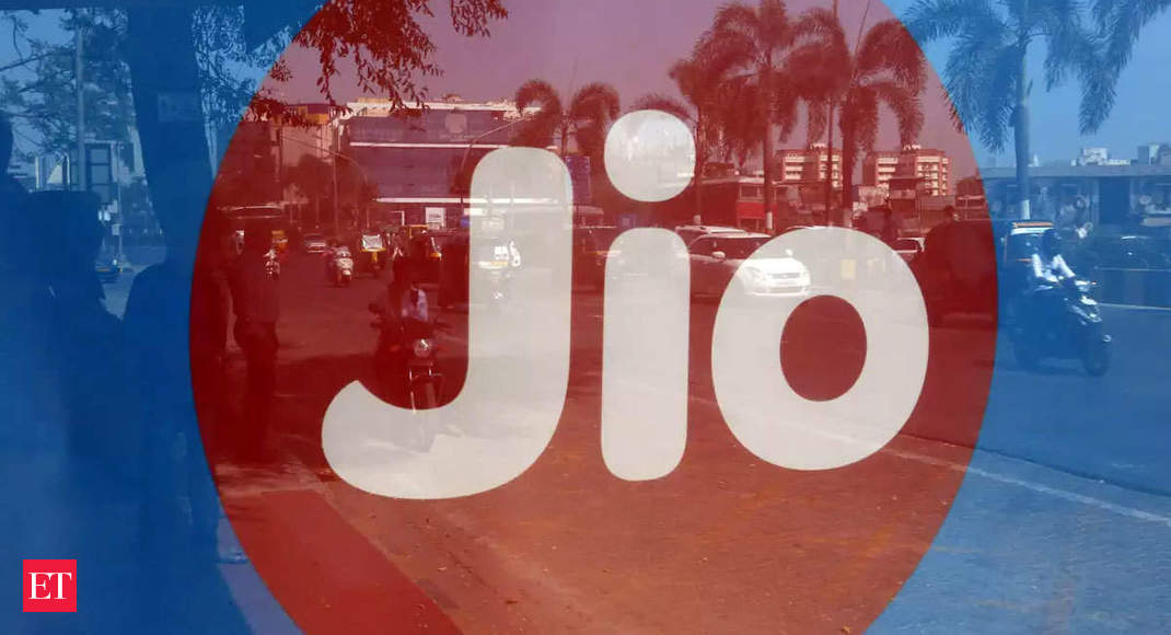 Reliance Jio likely to bag Reliance Infra's mobile tower, optical fibre for Rs 3,600 crore