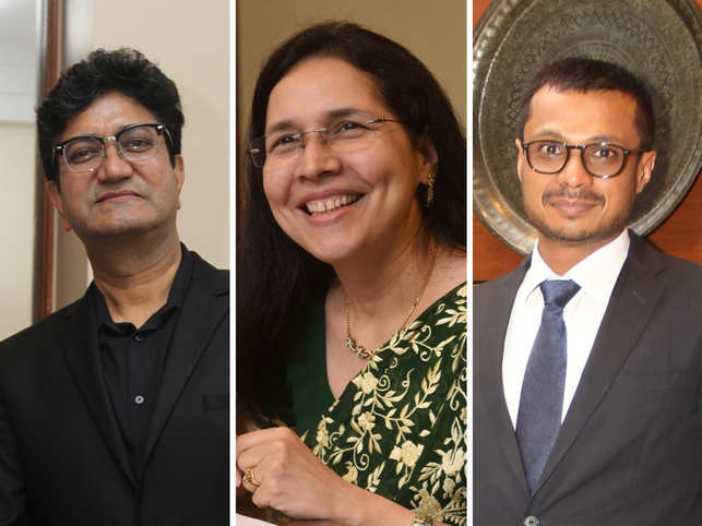 (L-R) Prasoon Joshi, Zarin Daruwala & Sachin Bansal share success stories that inspired them.