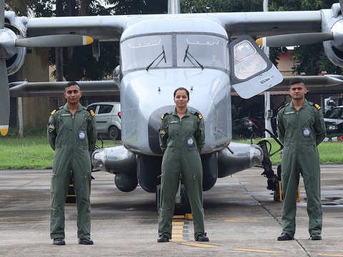 1st woman pilot for the Indian Navy