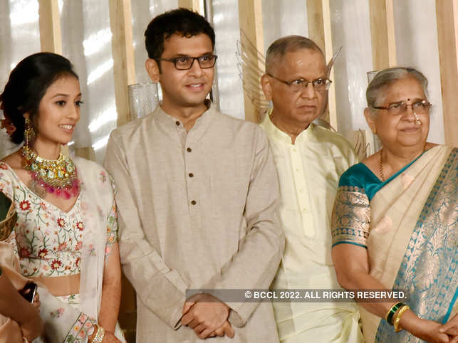 ​Rohan Murty, NRN Murthy, Sudha Murty personally introduced guests to Aparna Krishnan.​
