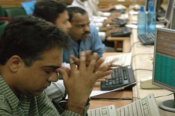 Sensex plunges 334 pts as fiscal deficit concerns spook investors