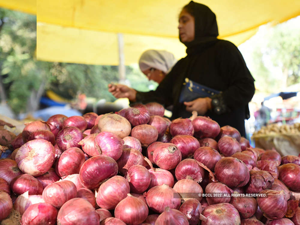 Govt further caps stock limit on onion retailers to 2 tons to check hoarding