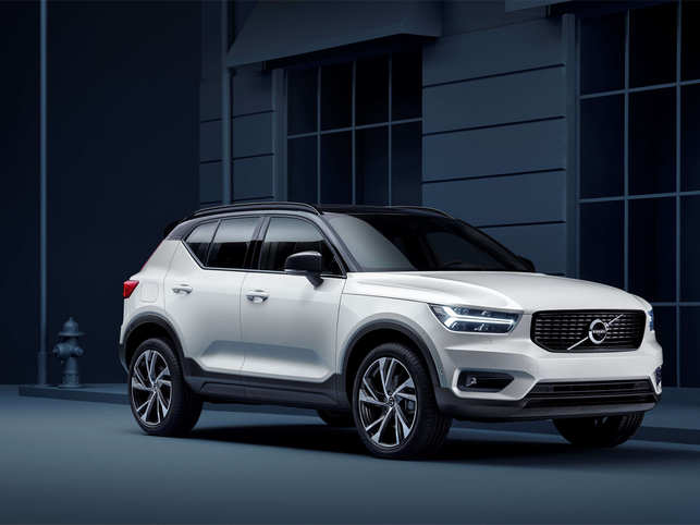 Volvo SUV XC40 T4 R-Design is equipped with features such as wireless charging for smart phones, power tail gate, hands-free power tail gate opening and closing.