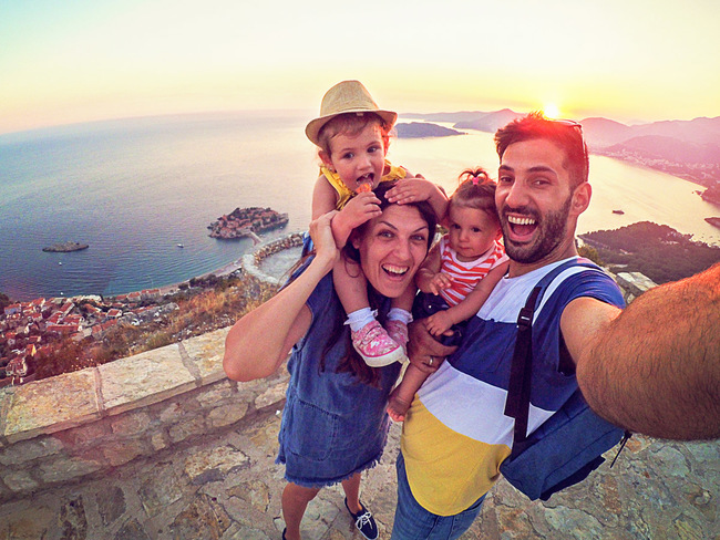 New Year holiday: Indians want to travel with family during Christmas-NY  break; Dubai, Australia most-preferred destinations - The Economic Times