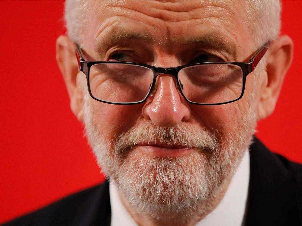 Labour MPs ask Corbyn to resign after UK election debacle
