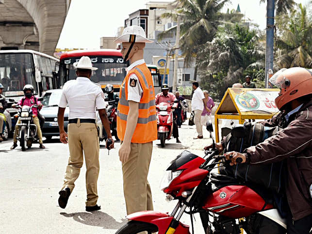 Mannequin-power comes to Bengaluru traffic police's rescue