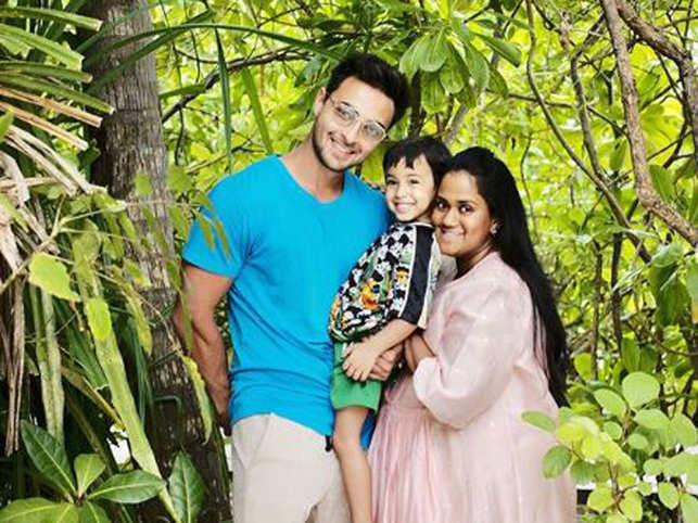 If reports are to be believed, Arpita was taken to the hospital on Thursday night. The baby was delivered on Salman's 54th birthday.