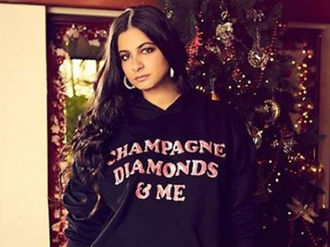 Rhea Kapoor shares her easy gifting ideas for those who are a little delayed with their wishes and gifts.