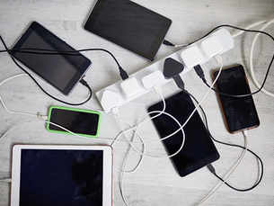 This new battery can power phone for five days
