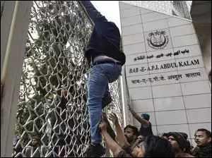 Jamia students 'gherao' Vice Chancellor Najma Akhtar's office, demand FIR against Delhi Police