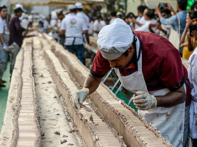 Sweet, sugary surprise: South Indian bakers make Guinness world record with 'longest' cake