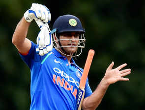 MSD dropped from BCCI's central contract, #ThankYouDhoni trends on Twitter