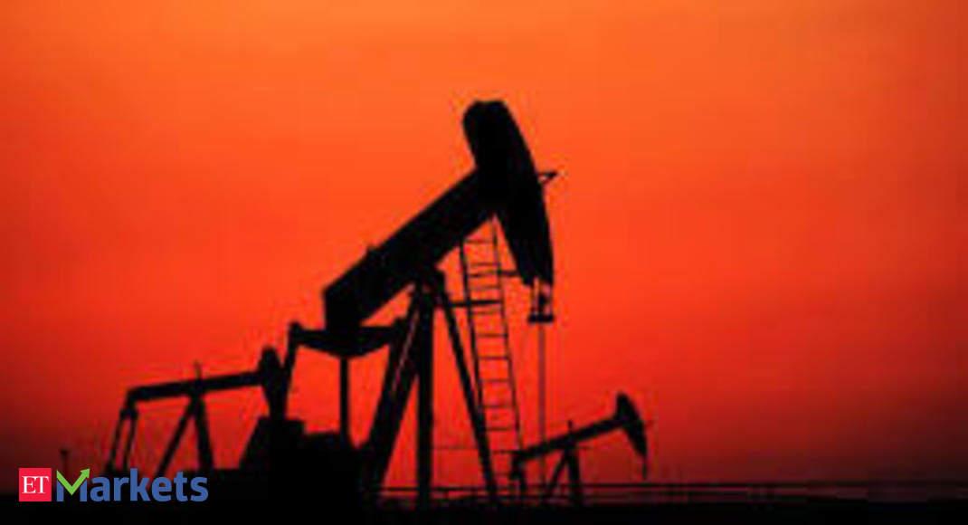 Crude oil futures slip on weak domestic cues