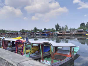 kashmir-lake-PTI