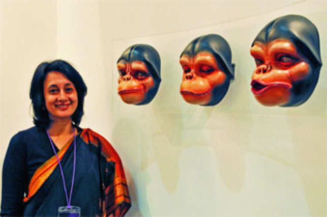Gallery Threshold's Tunty Chauhan with artwork Swindlers