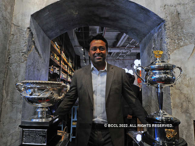 Paes expectedly came in first place in the parents' sprint for men.