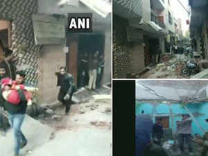 5 dead, 13 injured as roof collapses in Delhi's Bhajanpura, rescue efforts on