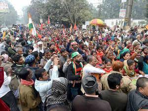 Bharat Bandh: Bahujan Kranti Morcha stages 'Rail roko' protest in Mumbai against CAA-NRC