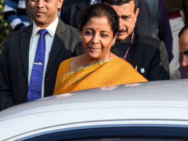 In the initial part of her speech, Sitharaman quoted Kashmiri poet Pandit Deena Nath Kaul's poem 'Myon Vatan'.
