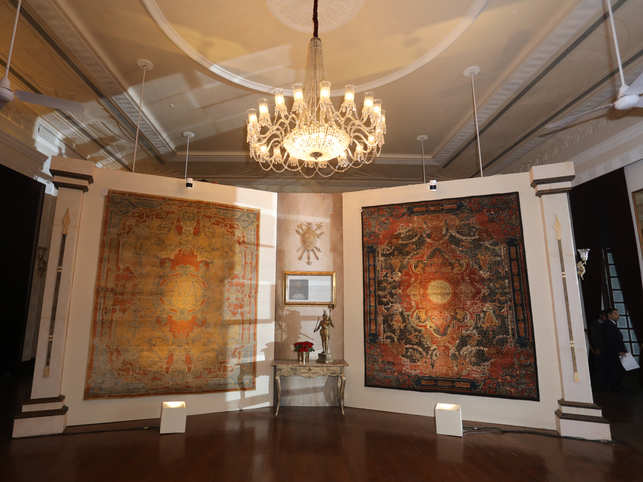 OBEETEE's vision to introduce the incredible Indian craft to the rest of the world will see the coming together of India's leading designers to display royal couture floor coverings that have never been woven before.