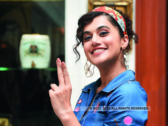 In her tweet, Taapsee Pannu said that her income is taxed through Delhi.