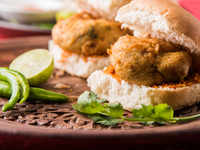 Dabba pav: Goan version of Mumbai's favourite snack is the upgraded vada pav that you must have