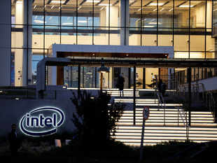 After Intel & Vivo, it is to be seen which other tech giants withdraw from the Barcelona event.