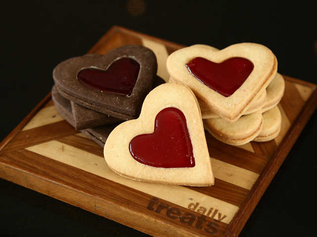 Valentine's Day cooking: Delectable raspberry and white chocolate shortbread cookies