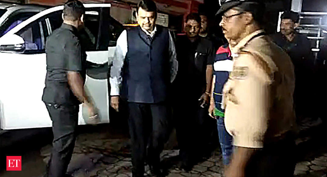 Affidavit case: Fadnavis appears before court, gets bail