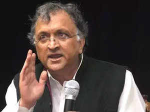 Ramchandra-Guha-agencies
